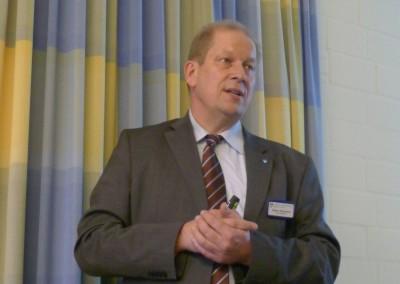 Herr Eppmann beim Vortrag